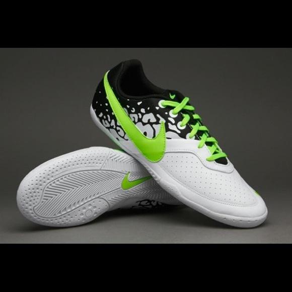 73514f740 NIKE Elastico II Indoor Soccer Cleats. M 5b5b2fba04ef50dff2021067